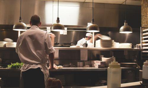 Fixkostenzuschuss: Unklarheiten und Verunsicherungen seitens der Gastronomen