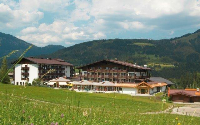 Christie vermittelt Sporthotel Fontana an Auszeit Hotel & Resort