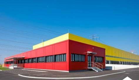 AEW kauft DHL-Umschlaghalle