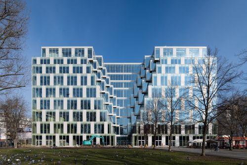 SIGNA und DWS schließen Kauf des UP! in Berlin für 315 Millionen Euro ab
