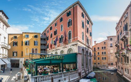 SORAVIA, denkmalneu und ECE kaufen Hotelensemble in Venedig