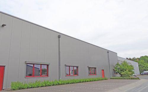 Logivest vermittelt Lagerfläche bei München an Textillogistiker