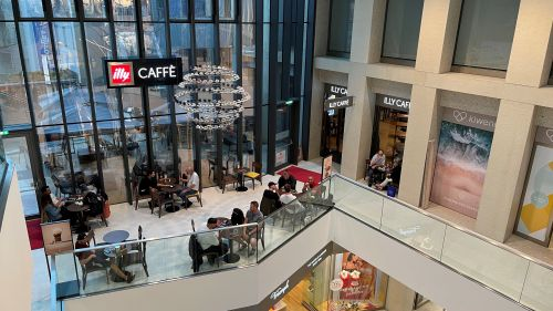 Colliers vermittelt illy Caffè im Innsbrucker Kaufhaus Tyrol