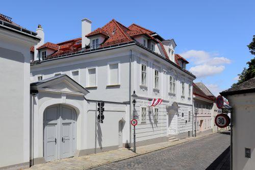 Rokoko trifft Moderne: Letzte Mietfläche im Beethoven-Haus in Wien Nussdorf vergeben