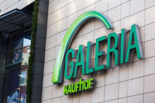 Signa erwägt Verkauf weiterer Karstadt-Kaufhof-Immobilien