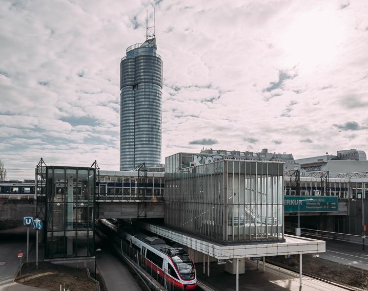 Modesta Real Estate berät Marsh und Mercer im Millennium Tower