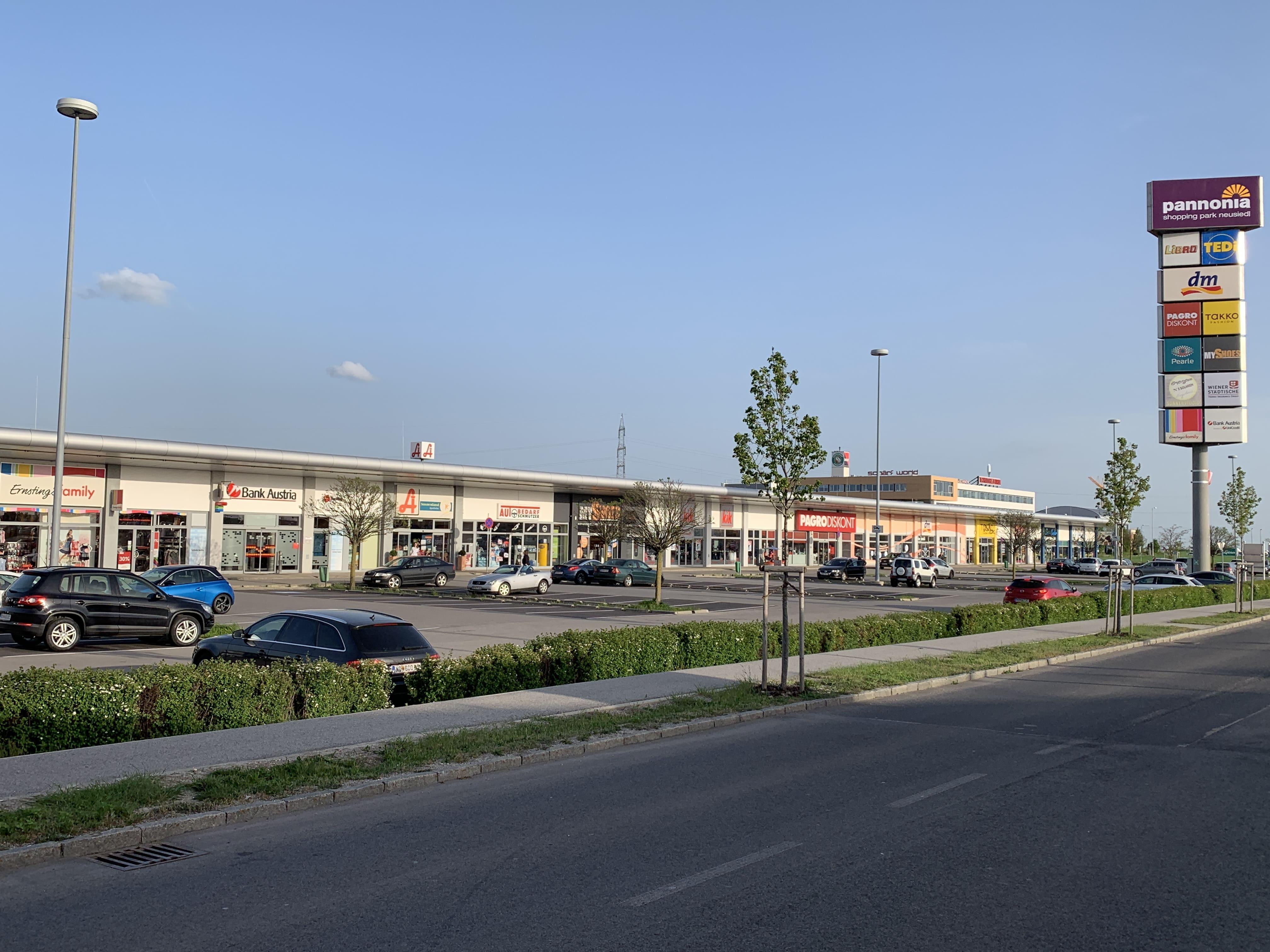 ERGO Versicherung kauft Pannonia Shopping Park Neusiedl