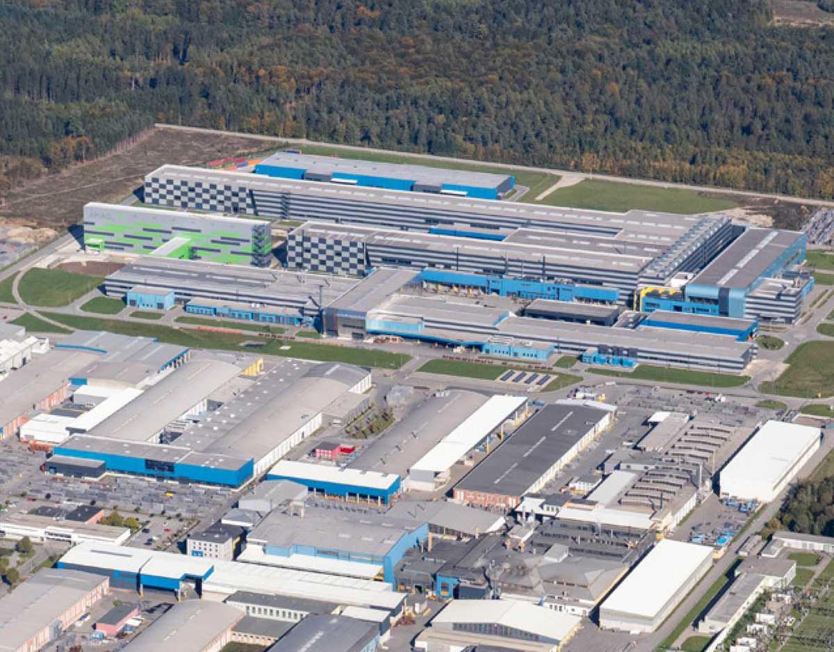 AMAG errichtet Österreichs größte Aufdach-Photovoltaikanlage