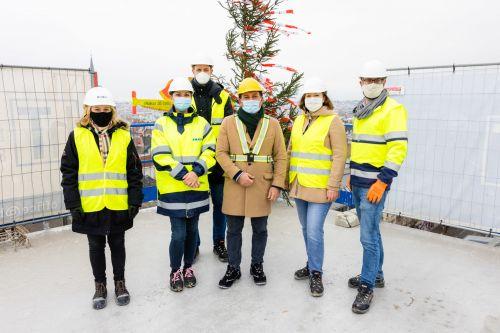 IKEA am Westbahnhof feiert Dachgleiche